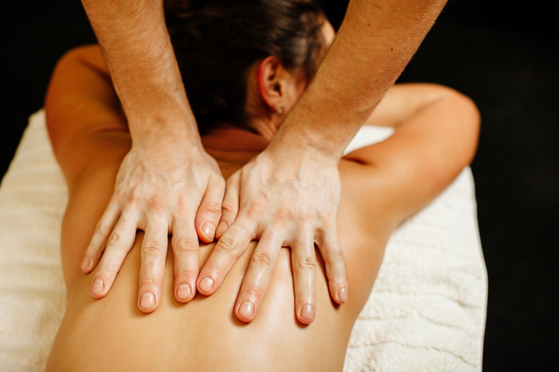 Детоксикиращ масаж с мед